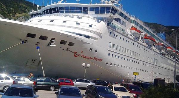 Kruzeri u Kotoru: Grad sve puniji, turisti sve zahtjevniji